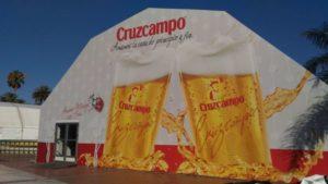 La caseta della CruzCampo nella Feria de Malaga