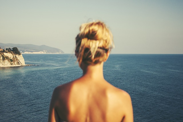 Offerta di lavoro in una spiaggia nudisti nella Costa del Sol