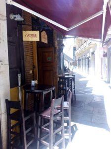 Vendesi ristorante in pieno centro a Malaga - Tavoli fuori