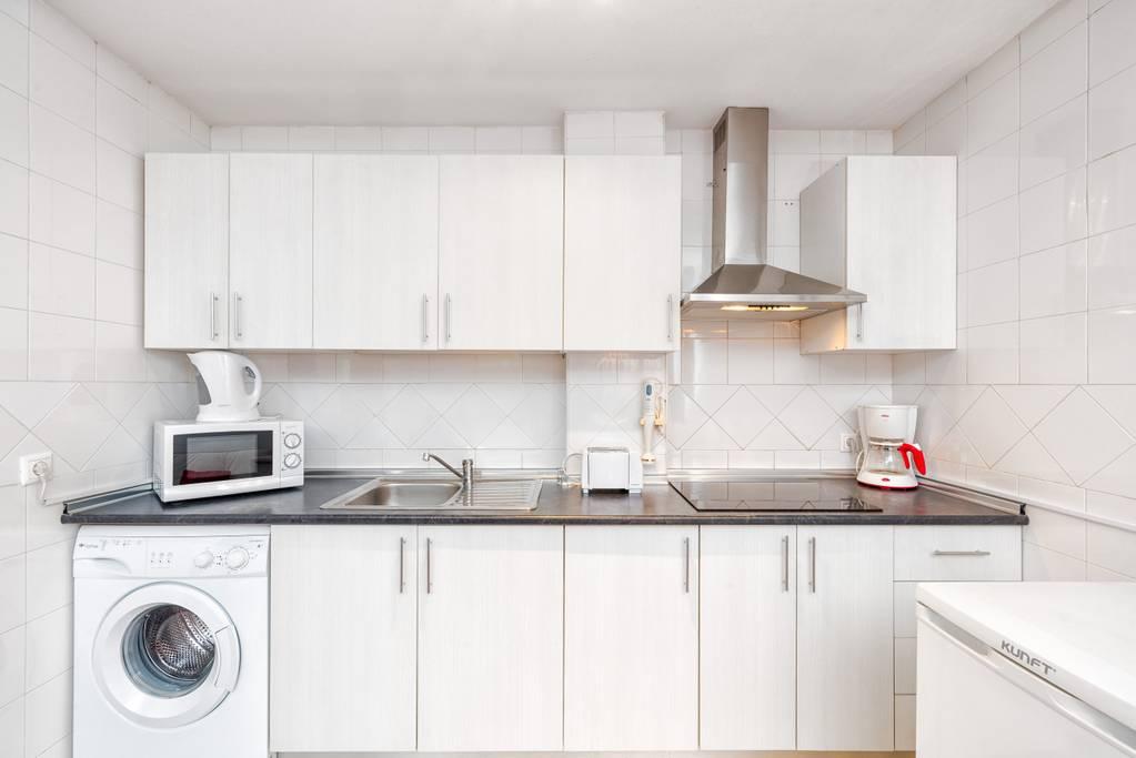 Cucina del bellissimo appartamento in vendita a Malaga